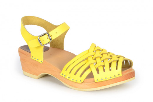 Anna Yellow
